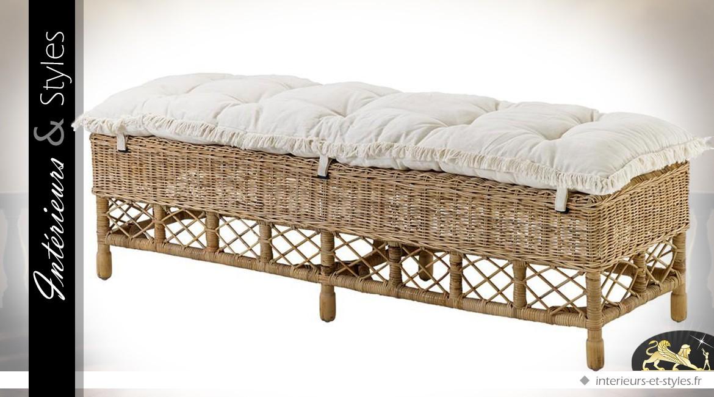 bout de lit de style exotique en osier naturel et coton. Black Bedroom Furniture Sets. Home Design Ideas
