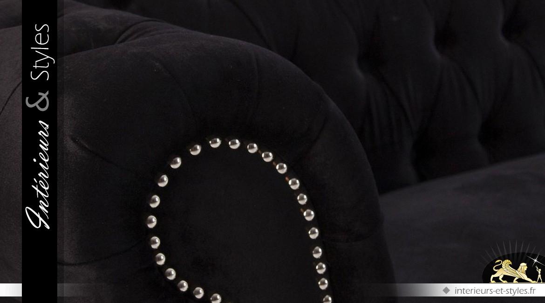 Canapé style Chesterfield tissu noir intense finition capitonnée