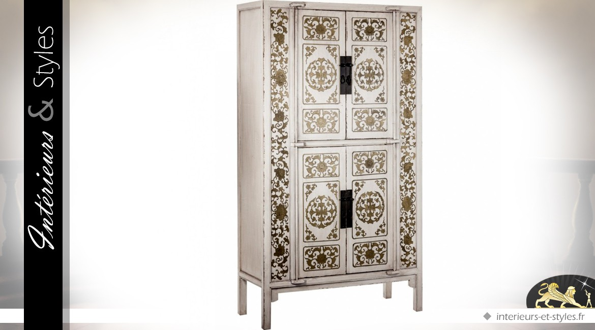 armoire blanche 4 portes style exotique ornementations. Black Bedroom Furniture Sets. Home Design Ideas