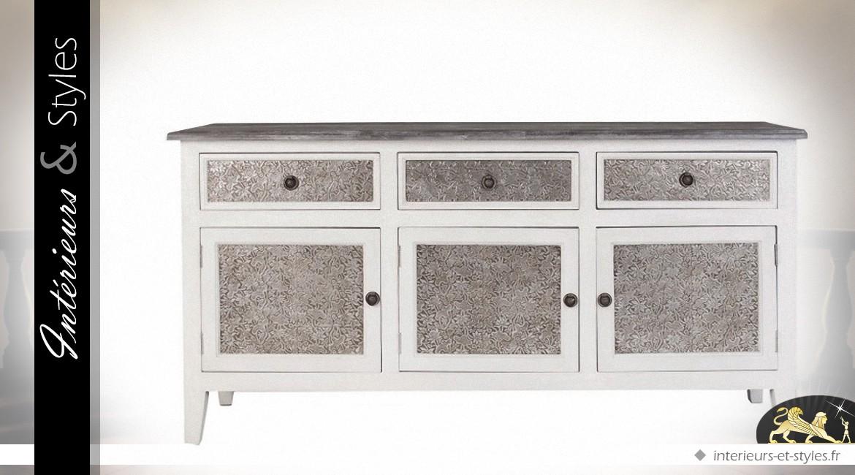buffet r tro blanc et gris fa ades d cor es bas relief. Black Bedroom Furniture Sets. Home Design Ideas