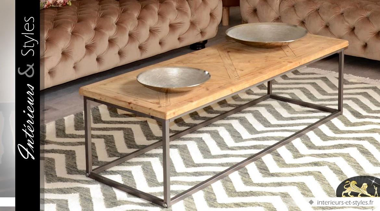 Table basse industrielle en bois de sapin et métal vieilli