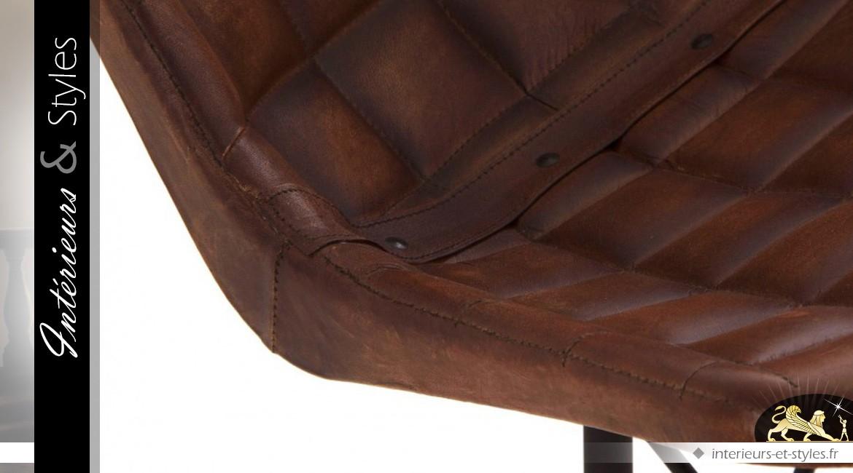 Chaise En Cuir Marron Style Vintage Motifs Carrés Intérieurs Styles