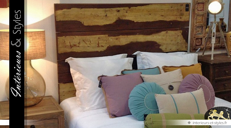 t te de lit en planches d 39 acajou brut en 160 m int rieurs styles. Black Bedroom Furniture Sets. Home Design Ideas