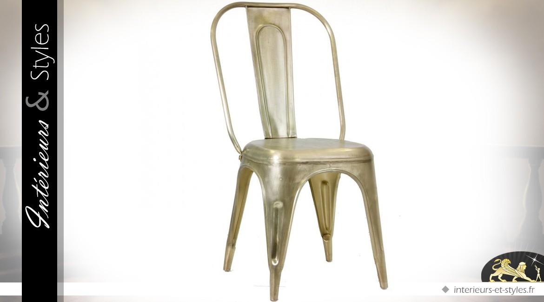 Chaise style indus et vintage finition laiton doré ancien