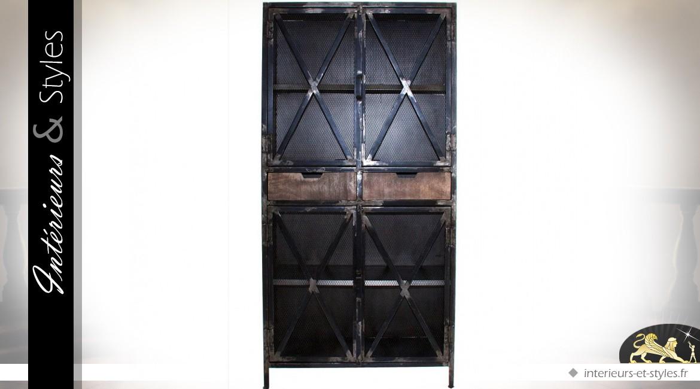 vitrine de style industriel en manguier et m tal int rieurs styles. Black Bedroom Furniture Sets. Home Design Ideas