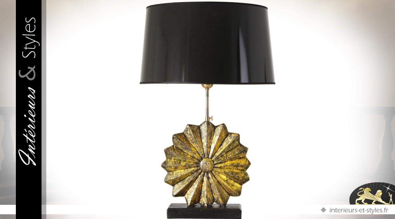 lampe de salon noire avec grande fleur stylis e sculpt e en teck int rieurs styles. Black Bedroom Furniture Sets. Home Design Ideas