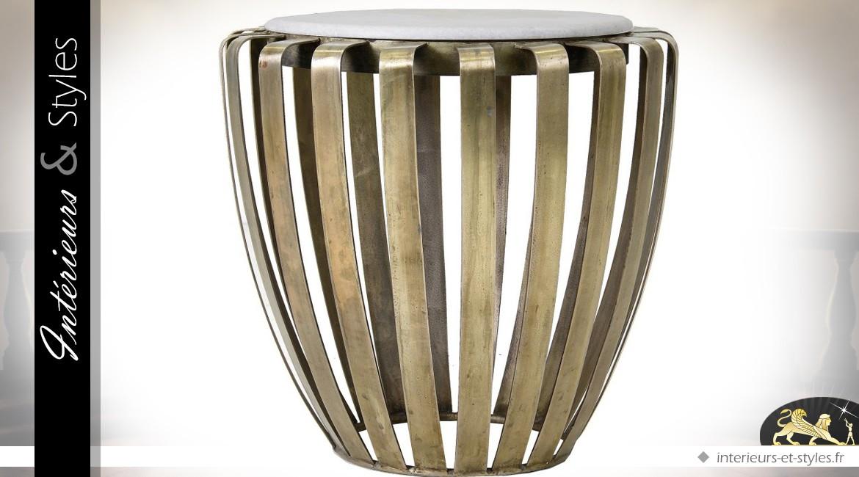 Bout de canapé design en laiton doré et marbre blanc