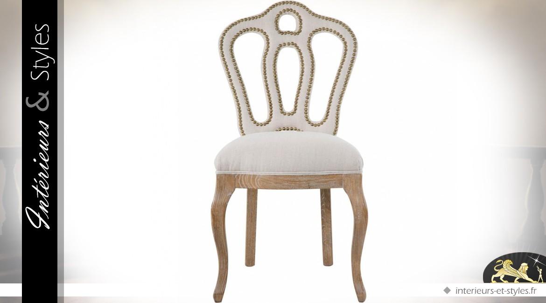 Chaise Baroque Beige Clair Dossier Ajouré Clouté Intérieurs Styles