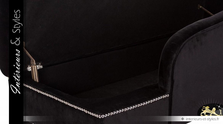 Méridienne baroque noire capitonnée à clous argentés