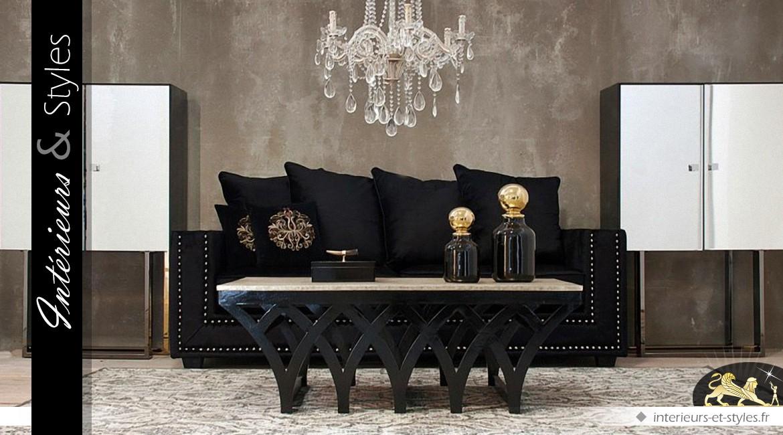 Table basse design en mindi à motifs gothiques