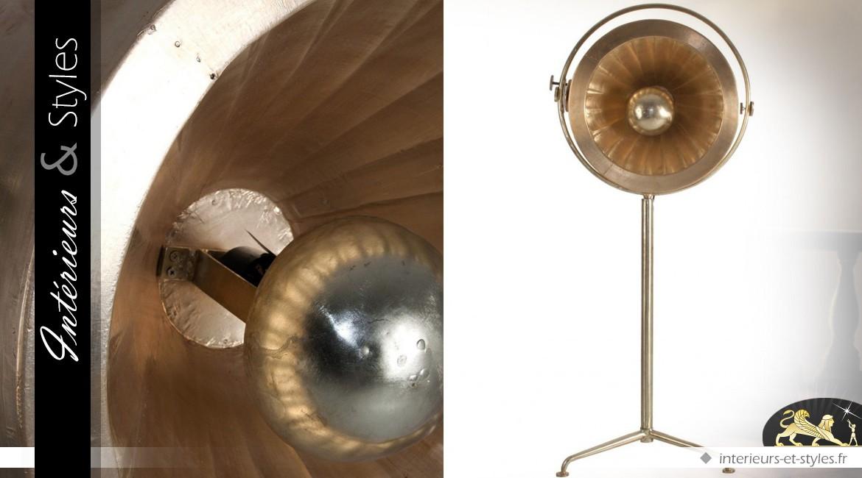 Lampadaire vintage industriel en laiton doré vieilli 1,5 mètre