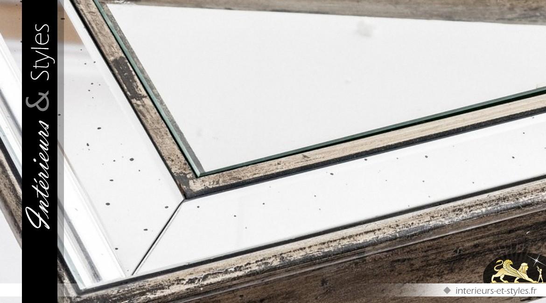 Table basse bois vieilli plateau verre et miroir v nitien for Verre et miroir