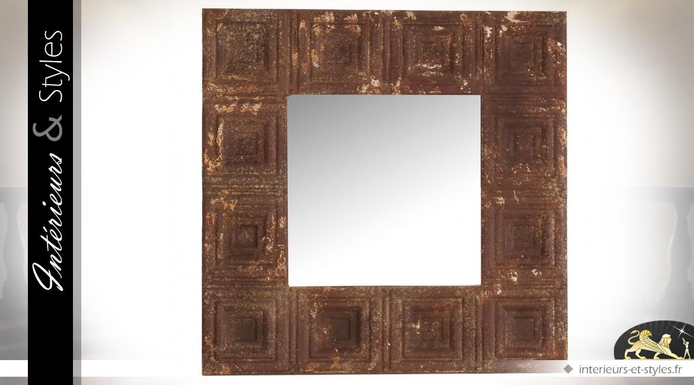 Miroir carré en métal aspect oxydé et vieilli 60 x 60 cm