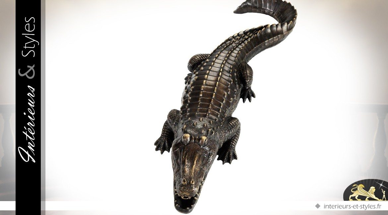Statuette de crocodile en bronze patiné brillant 67 cm