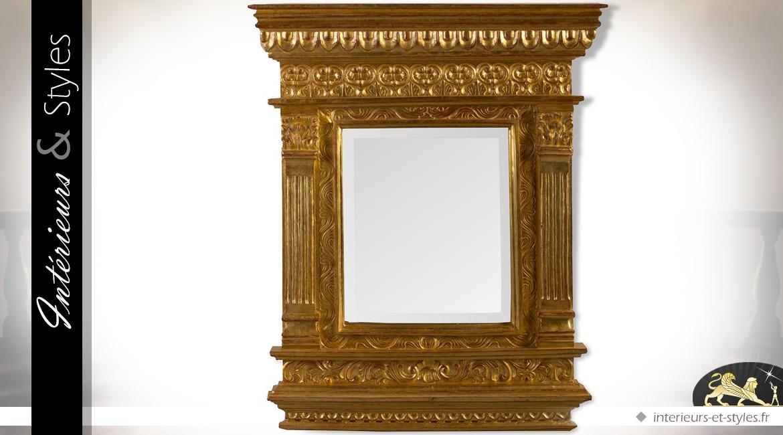 Miroir en acajou massif sculpté à la main et doré 88 cm