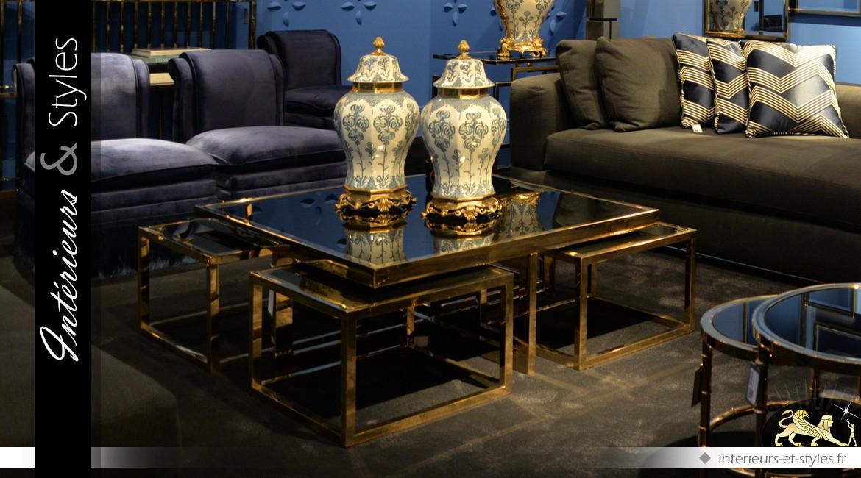Ensemble de 5 tables basses design métal doré et verre noir