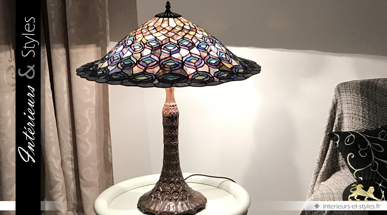 Lampe de prestige Tiffany : le paon crépusculaire Ø 68cm