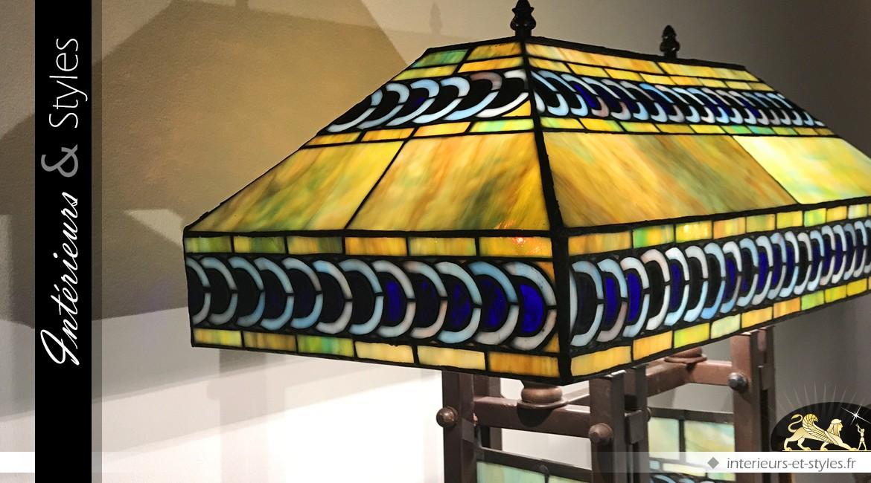 Grande lampe Tiffany : Merveille du monde