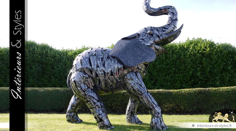 Sculpture d'éléphant en métal argenté taille réelle 3,50 m