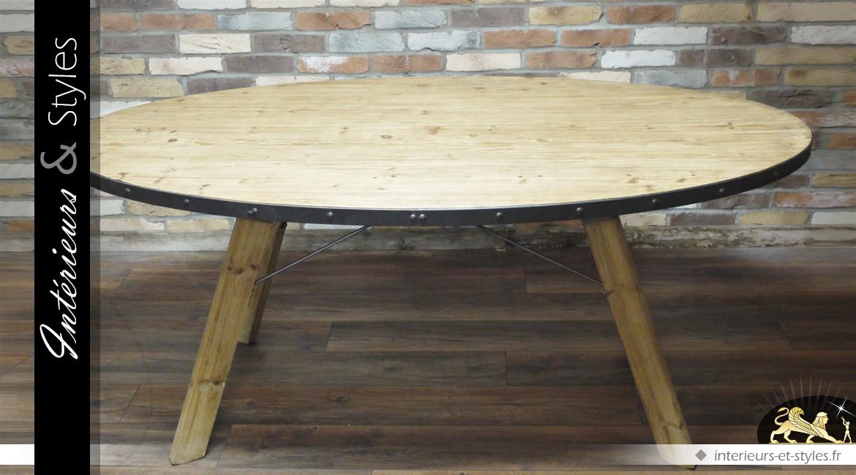 Table ovale de style industriel en bois et en métal