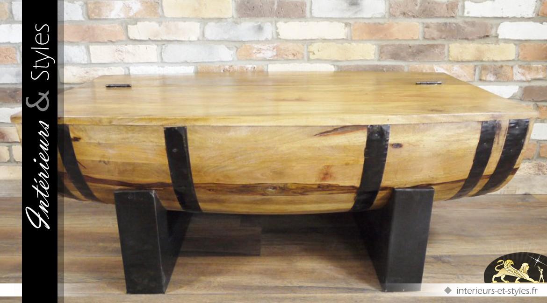 Table basse en forme de demi-barrique en bois et métal