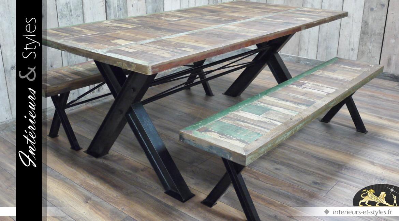 Table SAM effet bois recyclé et métal massif avec 2 bancs assorits