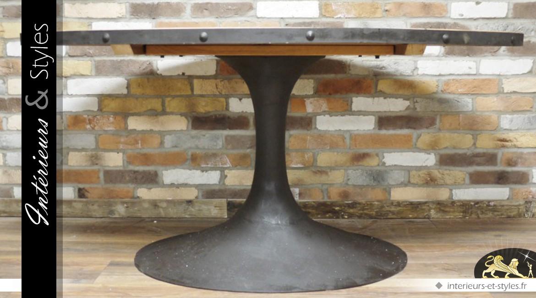 Table industrielle de forme ovale en bois et en métal