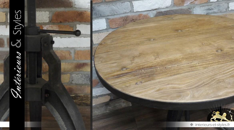 Table ronde de style indus en bois et en métal