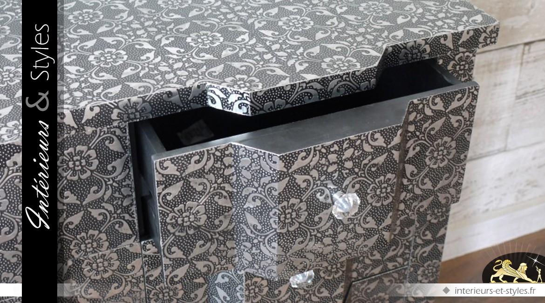 Commode arbalète en métal embossé à 6 tiroirs