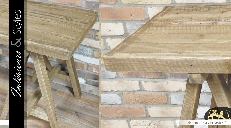 Table en bois massif finition naturelle