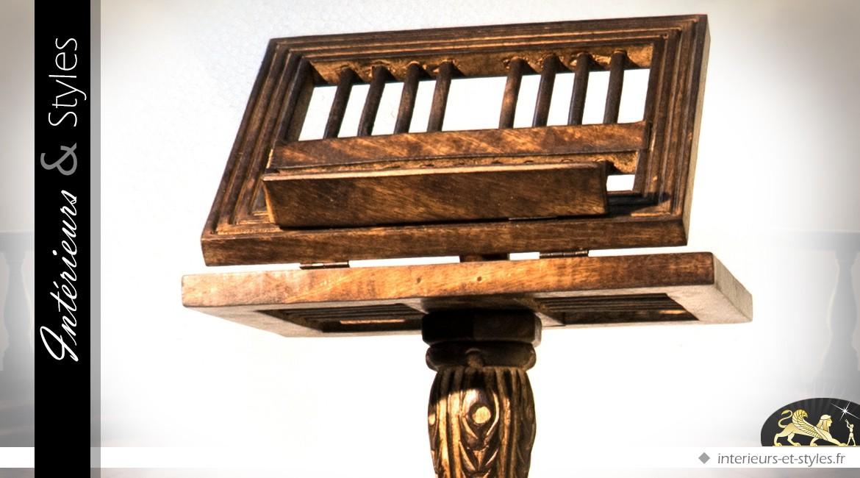 Grand lutrin en bois sculpté sur colonne en torsade 113 cm