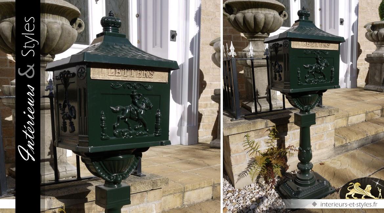 Boîte Aux Lettres Anglaise Sur Pied Coloris Vert Antique