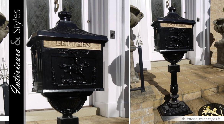 Boîte aux lettres anglaise rétro sur pied coloris noir