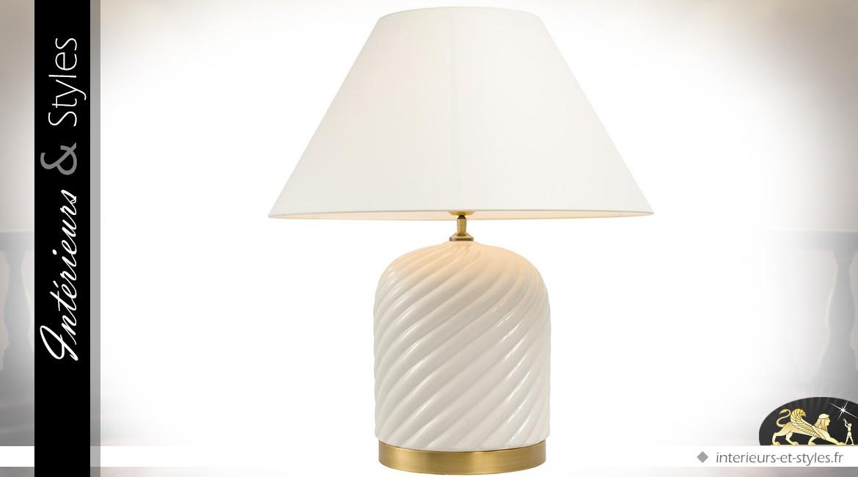 Lampe en faïence fine blanche et laiton doré avec abat-jour blanc crème 66 cm