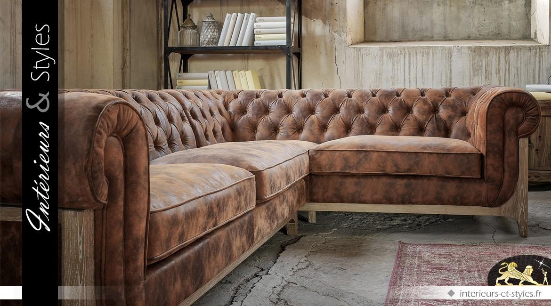 Grand canapé d'angle en cuir marron vieilli et capitonné 289 cm