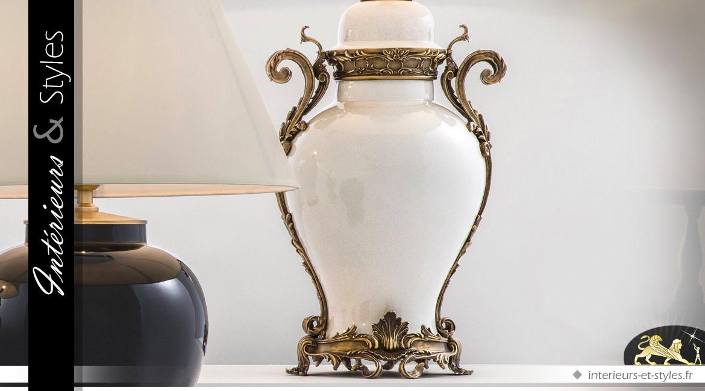 Lampe céramique émaillée et craquelée garnitures laiton doré sculpté 101 cm