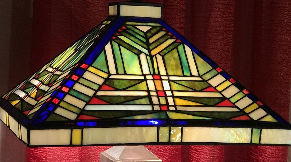 Grande lampe Tiffany à poser, Cendres de passion, 61cm de hauteur totale