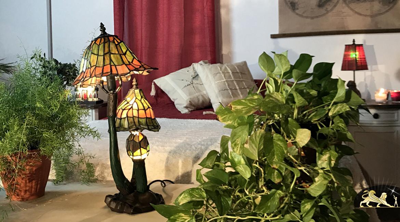 Sculpture lumineuse en verre Tiffany : Monde enchanté - 56cm