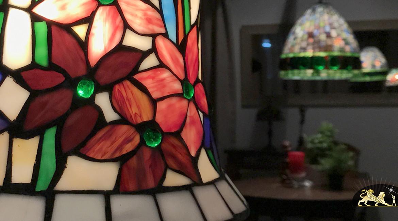 Supension Tiffany en forme de cloche : Fleurs éternelles - Ø30cm
