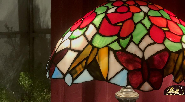 Grand lampadaire de charme Tiffany : La Mariposa - 173cm / Ø40cm