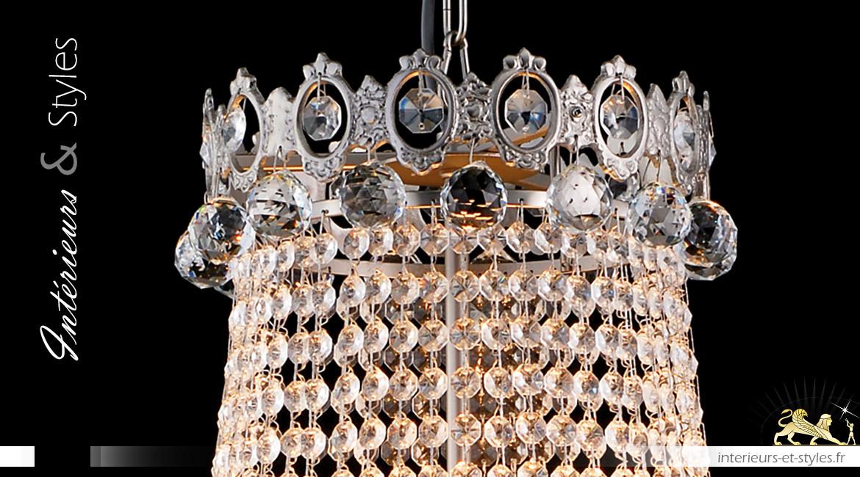 Lustre Montgolfière 12 feux, Ø60cm, en pendeloques de verre et ossature métal chromé argent