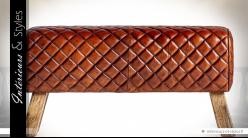 Bout de lit en cheval d'arçons cuir Cognac surpiqûres en losanges