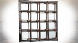 Miroir mural 4 x 4 cases à encadrements biseautés finition argentée 60 cm