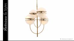 Lustre Spiridon signé Eichholtz, ambiance années 1960 en laiton doré et verre blanc, 16 feux