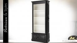 Bibliothèque noire style classique avec intérieur patine blanche