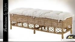 Bout de lit de style exotique en osier naturel et coton écru