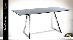Table design de salle à manger en verre et métal argenté