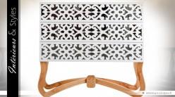 Commode design et exotique à 3 tiroirs coloris blanc