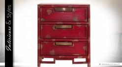 Table de chevet rouge à 3 tiroirs style brocante