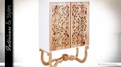 Armoire design et exotique à 2 portes en mindi naturel sculpté